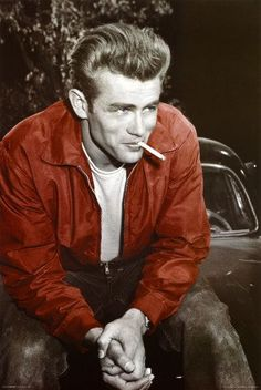 This is a picture of James Dean. James Dean was an American actor. He popularized the bad boy jeans and T-shirt look. Classic Hollywood, Old Hollywood, Hollywood Icons, Hollywood Glamour, Hollywood Stars, Bad Boys, James Dean Poster, James Dean Style, James 3