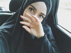 Hijab Niqab, Muslim Hijab, Hijab Chic, Hijabi Girl, Girl Hijab, Beautiful Muslim Women, Beautiful Hijab, Niqab Fashion, Muslim Fashion