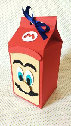 Caixa para lembrancinhas confeccionado em papel 180gr. Técnica scrap. Produto 100% artesanal. *A caixa irá dobrada para facilitar o envio. Facilidade na montagem não necessitando de cola.