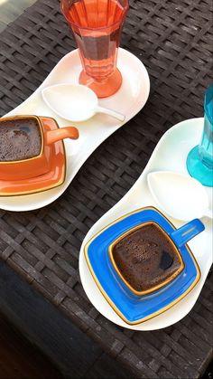 Coffee Milk, Milk Tea, Coffee Love, Coffee Shop, Creative Instagram Stories, Instagram Story Ideas, Coffee Tumblr, Snapchat Picture, Food Snapchat
