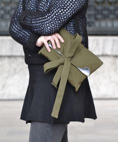 House of Red - Olive Clutch