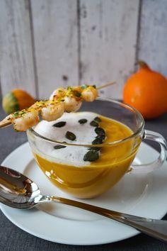 Kürbis-Cappuccino mit Garnelen