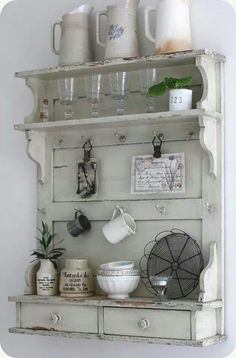 4 Rewarding ideas: Shabby Chic Table Pink shabby chic mirror old windows.Shabby Chic Bathroom Pink shabby chic home accessories.Shabby Chic Home Accessories. Shabby Chic Bedrooms, Shabby Chic Cottage, Shabby Chic Homes, Shabby Chic Furniture, Shabby Chic Decor, Furniture Vintage, Girl Bedrooms, Shabby Chic Shelves, Romantic Bedrooms
