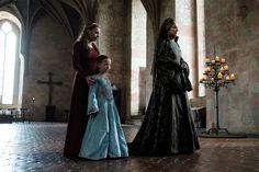 Elżbieta Łokietkówna Crown of Kings Wiki fandom Wales Country, Period Costumes, The Crown, My People, Fashion History, Crowd, Movie Tv, Tv Series, Medieval