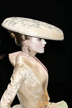 Christian Dior Spring 2007 Couture Detail - Christian Dior Haute Couture Collection