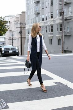 This navy double-breasted vest and olive fringe sandals paired with ripped skinny jeans and a simple white tee is the perfect Casual Friday look. Black Vest Outfit, Vest Outfits, Casual Outfits, Formal Outfits, Nyc Fashion, Work Fashion, Fashion Outfits, Womens Fashion, Workwear Fashion