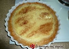 Great recipe for Poupeki (semolina custard pie). A syrupy sweet that reminds me of galatopita (milk pie) or galaktompoureko (without eggs) and is very easy. Recipe by dcroula Greek Sweets, Greek Desserts, Greek Recipes, Pie Recipes, Dessert Recipes, Cooking Recipes, Healthy Cooking, Greek Cake, Magic Custard Cake