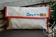 DIY placemat clutch...with a nautical twist