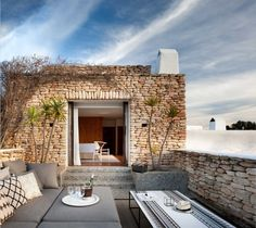 〚 Mediterranean style and traditions in the design of a house on Ibiza 〛 ◾ Photos ◾Ideas◾ Design Outdoor Retreat, Outdoor Rooms, Outdoor Living, Mediterranean Homes Exterior, Mediterranean Style, Design Balcon, Dream Home Design, House Design, Villa