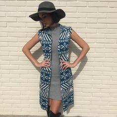 Colete e Vestido de tricô estampado azul e off white da marca Coleteria ♡ - Coletes femininos e infantis - Coleteria | sempre♡