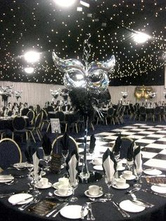 Black and White Party: Don't Forget the Dance Floor! - Events are always all about the details. It wouldn't do for you to have a wooden dance floor at your Black and White Party now would it? Rent a bl. Masquerade Decorations, Masquerade Ball Party, Sweet 16 Masquerade, Masquerade Theme, Masquerade Wedding, Masquerade Party Centerpieces, Venetian Masquerade, Black White Parties, Prom Themes