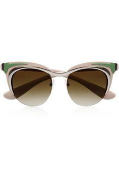 Del retro al futurismo en 25 gafas de sol. Gafas cat eye inspiradas en los años 50 con montura fragmentada de colores de Prada (315 €).