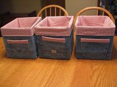 57 cool ideas for recycling your old jeans Jean Crafts, Denim Crafts, Artisanats Denim, Jeans Recycling, Sewing Crafts, Sewing Projects, Diy Projects, Denim Ideas, Old Clothes