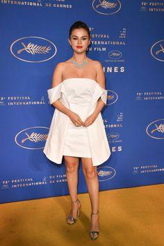 Selena Gomez looks elegant in strapless white dress as she attends Cannes Film Festival gala dinner Vestido Selena Gomez, Selena Gomez Style, Selena Gomez White Dress, Film Festival Cannes, Blush Gown, White Strapless Dress, Gala Dinner, Red Carpet Looks, Red Carpet Dresses
