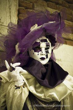 Carnevale Venezia 2014-106 (Copia) | #masks #venetianmasks #masquerade http://www.pinterest.com/TheHitman14/art-venetian-masks-%2B/