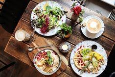 Ihr wisst nicht wohin um den besten Kaffee, die leckersten Waffeln oder das köstlichste Rührei zu essen? In unserem Guide findet Ihr die Top 3 in Hamburg.