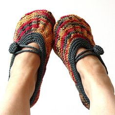 Shine Hom Slippers.  via loasidellamglia on Etsy. http://www.etsy.com/listing/90514567/knitting-pattern-pdf-file-shine-hom#