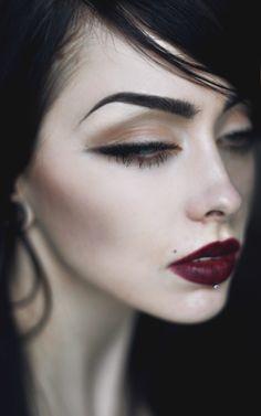Johanna Herrstedt-- placement of shadow on dark lip look