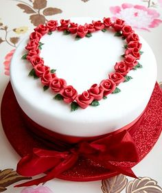 COM : online cake delivery in Delhi online flower delivery in Delhi online gift delivery in Delhi Pretty Cakes, Beautiful Cakes, Amazing Cakes, Heart Shaped Cakes, Heart Cakes, Fondant Cakes, Cupcake Cakes, Online Cake Delivery, Gift Delivery
