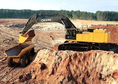 John Deere construction John Deere 850D hydraulic excavator.THis was replaced by the 870G LC in 2011