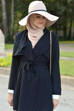Tips for Wearing Hats with Hijab