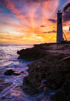✯ Barbers Point lighthouse - Oahu, Hawaii...I used to live right up the street from this.