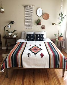 50 Amazing Bohemian Master Bedroom Design Ideas Source by emileeharkness bedroom boho Mexican Bedroom Decor, Southwestern Bedroom Decor, Western Rooms, Master Bedroom Design, Bedroom Designs, Bedroom Ideas, Minimalist Bedroom, Modern Bedroom, My New Room