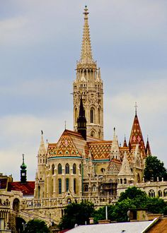 Matthias Church Budapest Matthias Church Budapest Hungary The post Matthias Church Budapest appeared first on Architecture Diy. Sacred Architecture, Beautiful Architecture, Landscape Architecture, The Places Youll Go, Places To Go, Wachau Valley, Magic Places, Hungary Travel, Voyage Europe
