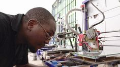 Turning plastic waste into 3D printing filament helps waste pickers earn more money.