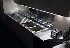 Riciclantica White Lacquered Aluminium by Valcucine | STYLEPARK