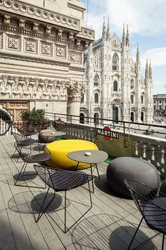 Outside: Furnishing solutions for Terrazza Duomo Discover all the unique and essential design creations. Pisa, Verona, Wonderful Places, Beautiful Places, Duomo Milano, Milan Italy, Lake Como, Palermo, Italy Travel