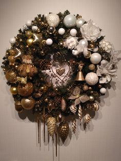 "Christmas wreath ""SISTER. MOSCOW"" by SiSTERBRO Настенный венок ""СЕСТРА. МОСКВА"""