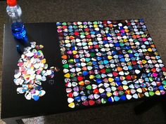 guitar pick table If I ever managed to have a music room. Guitar Pick Art, Guitar Room, Guitar Pics, Crafts To Do, Arts And Crafts, Diy Crafts, Do It Yourself Furniture, Diy Furniture, Music Decor