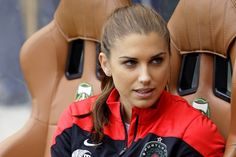 Alex Morgan salary is a shock for everyone who estimates it to be anywhere near the male football players. Neither Alex Morgan net worth is very high. Alex Morgan Hot, Alex Morgan Soccer, Alexandra Morgan, Portland Thorns, Orlando Pride, World Cup Champions, Fifa Women's World Cup, Good Soccer Players, Shawn Johnson