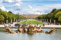 The fountains of Versailles, France Chateau Versailles, Versailles Garden, Palace Of Versailles, Paris Travel, France Travel, France Attractions, Palacio Imperial, Castles To Visit, Day Trip From Paris