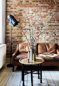 65 amazing living room with brick wall decoration ideas Brick Interior, Interior Exterior, Living Room Interior, Living Room Decor, Brick Room, Red Brick Walls, Living Room Brick Wall, Brick Wall Decor, Brick Design