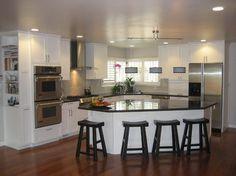 Best kitchen layout plans with island countertops ideas Best Kitchen Layout, Kitchen Layout Plans, Kitchen Layouts With Island, Kitchen Cabinet Layout, New Kitchen, Kitchen Decor, Kitchen Cabinets, White Cabinets, Kitchen White