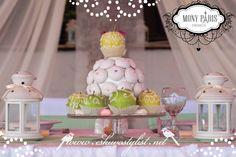 Mesés esküvő, vidám stílusú esküvő dekoráció, almás esküvő, zöld esküvői dekoráció, desszert dekoráció