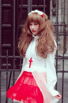 White & Red Cult Party Kei outfit. Woe lolita from holland :D