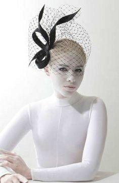 Philip Treacy SS 2014 Fashion and Designer Style Headpiece Wedding, Bridal Headpieces, Estilo Fashion, Ideias Fashion, Gothic Fashion, Fashion Fashion, Philip Treacy Hats, Fascinator Hats, Fascinators