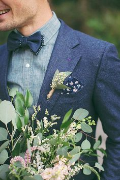 Navy Groom Suits / http://www.himisspuff.com/groom-fashion-inspiration-45-groom-suit-ideas/4/
