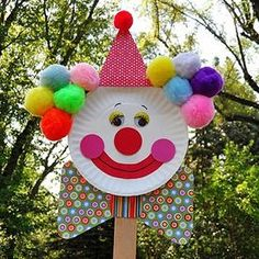 Easy DIY Paper Plates Crafts For Kids to decorate kids room and class room. Kids crafts ideas to make paper plate fishes,sun,moon and clown Kids Crafts, Clown Crafts, Circus Crafts, Carnival Crafts, Paper Plate Crafts For Kids, Puppet Crafts, Family Crafts, Summer Crafts, Toddler Crafts