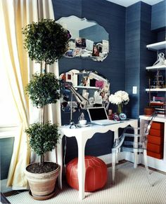 Louis Ghost by Philippe Starck | Home office