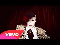 Te brindamos un video de musica (videoclip)Madonna - Living For Love del genero Pop. Letra (lletres, lyrics) de la cancion y musica (lletres de can&cc...