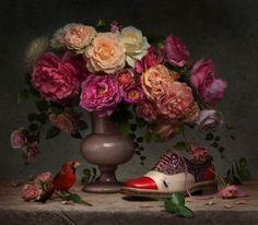Case: Spring/Summer Collection 高級婦人靴のほか各種服飾雑貨を展開するフランス発のブランド「クリスチャン・ルブタン」による2014年春夏コレクションの広告キャンペーン。