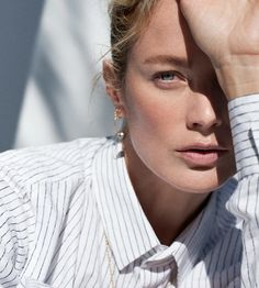 Supermodel Carolyn Murphy wears the pants, styled by Megha Kapoor in crisp, tailored, classic looks lensed by Thomas Slack for Inprint Magazine Issue Hair by Rachel Lee; makeup by Karo Kangas Carolyn Murphy, Business Outfits Women, Business Women, Editorial Photography, Fashion Photography, Fashion Magazine Cover, Magazine Covers, Img Models, Jewelry Model