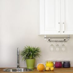 This Easy Cleaning Schedule Will Keep Your Kitchen Spotless: The kitchen can be a difficult room to keep clean.