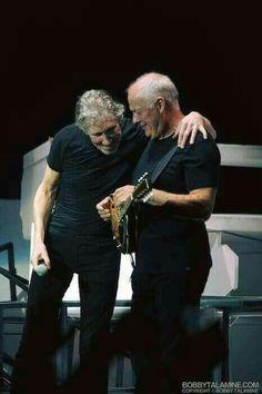 David Gilmour and Roger Waters - legendary Roger Waters David Gilmour, David Gilmour Pink Floyd, Rock Roll, Music Love, Rock Music, Metallica, Rock Y Metal, Progressive Rock, Funny Tattoos