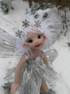 Un jardin féérique -- #fairy #house - Winter Fairy - By Liz Amend