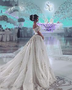 TheFashionBrides is the best resource for your wedding. Check us out and join ou. Engagement and Hochzeitskleid - wedding and engagement 2019 Country Wedding Dresses, Dream Wedding Dresses, Bridal Dresses, Wedding Gowns, Gorgeous Wedding Dress, Mermaid Dresses, Wedding Bride, Wedding Hair, The Dress